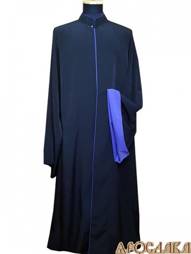 АРТ1127.  Ряса греческая, черный мокрый шелк. Вышивка  рис.Виноград №19: ворот. Кант фиолетового цвета: ворот, борта, рукава. Подклад, подборта и отворот рукава  креп-сатин.
