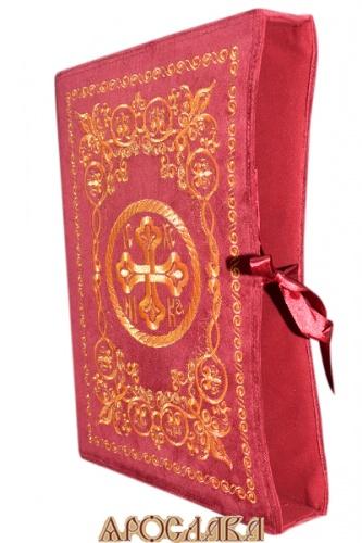 АРТ1207. Чехол для книги. Вышитый рисунок Русский Афон. Ткань  бархат. Размер 35*25.