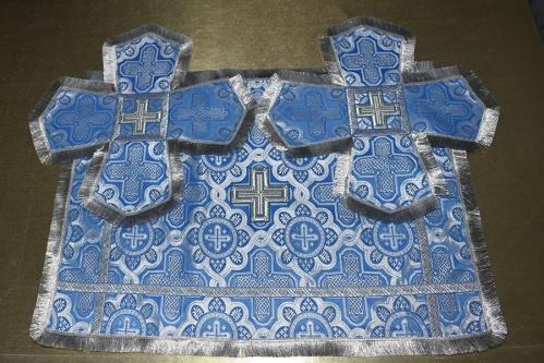 АРТ1530. Покровцы голубой с серебром шелк, отделка галун, бахрома. Чаша 0.75 литр