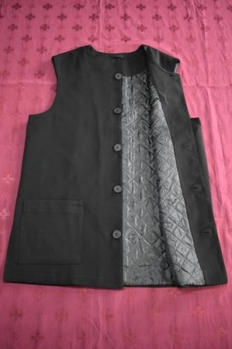 АРТ1691 Жилет мужской зимний,ткань плотная костюмная,утепленный синтепоном. Размер 54, Дисп-81см.