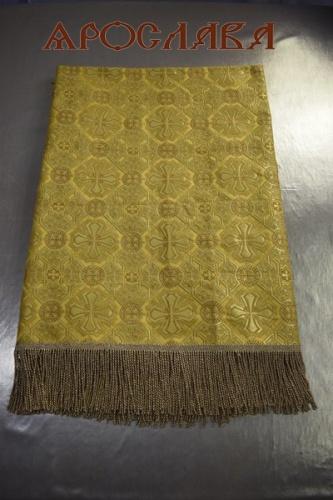 АРТ1832 Скатерть желтая парча Покров,отделка витая бахрома,без креста. Размер:137*137