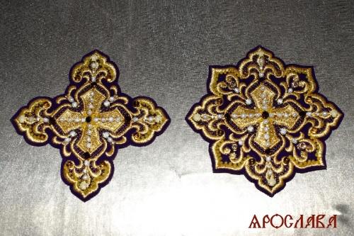АРТ2045. Крест и звездица вышитые,украшены камнями.