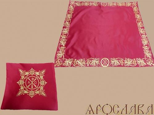 АРТ302. Илитон на престол вышитый Альфа-Омега,увеличенный. Размер 80*70.Ткань однотонный атласный шелк.