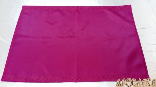 АРТ910. Плат на жертвенник бордовый с вышивкой и декоративной отсрочкой. Размер 70см*50см.
