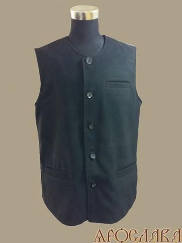 АРТ999. Жилет черный, два нижних прорезных кармана, слева прорезной нагрудный карман, утепленный синтепоном.