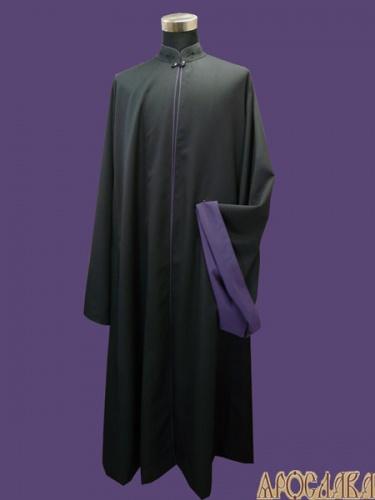 АРТ1162. Ряса греческая, ткань мокрый шелк. Кант фиолетового цвета: ворот, борт, рукава. Подклад и отворот рукава фиолетовый креп-сатин.