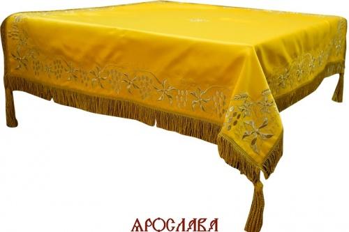 АРТ1235. Скатерть на престол, вышитая рис.Плетеный, на подкладе, витая бахрома, витые кисти, крест по центру.