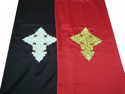 АРТ1391. Катапетасма. Ткань креп-сатин. Вышитый крест на парче.