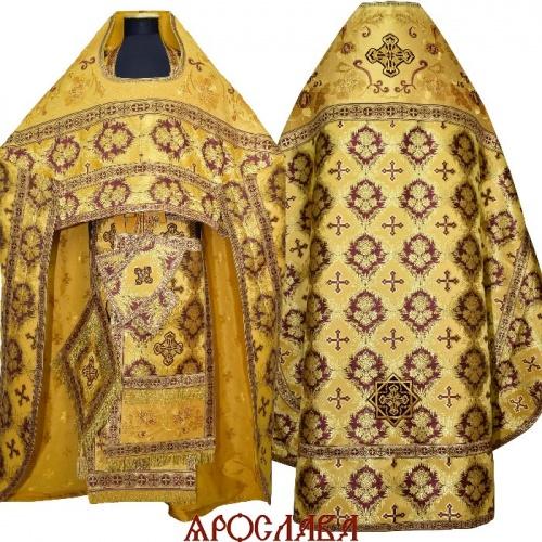 АРТ1508. Риза желтая парча Рождество. Комбинированная с вышивкой рисунок Кострома: власяница, окошки епитрахили, низ набедренника. Вышивка выполнена на однотонной парче.