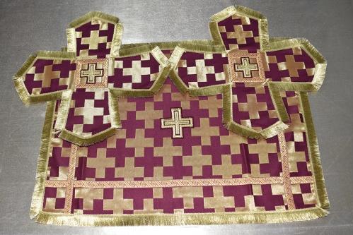 АРТ1526. Покровцы бордовые парча Новгородский крест, отделка галун, бахрома. Чаша 0.5л