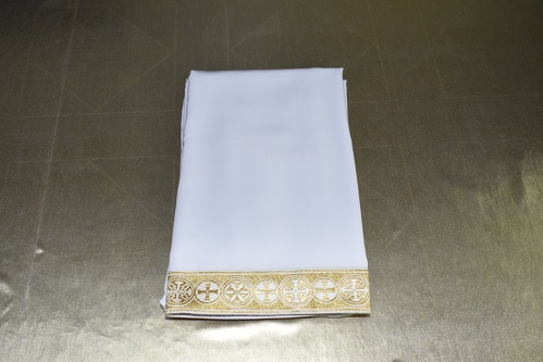 АРТ1622. Подризник с отделкой цветным галуном рисунок Георгиевский (белый с золотом). Ширина галуна 6см. Ткань мокрый шелк. 186/52-54