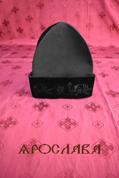 АРТ1719. Скуфия русская, зимняя с отворотом. Ткань черный бархат, утеплена синтепоном. Размер 60-61,высота-20см
