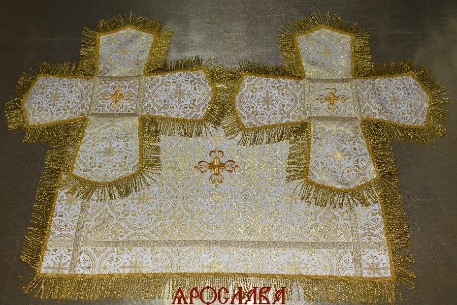 АРТ1766. Покровцы парча Шуйский, отделка цветной галун, витая (тоненькая) бахрома.