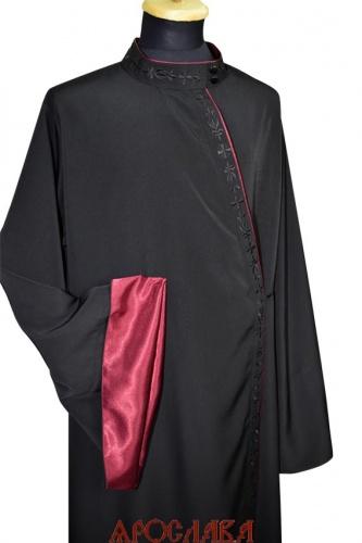 АРТ1789.Ряса русская, ткань черный мокрый шелк. Вышивка черным шелком рис №3: ворот, борт. Кант бордового цвета: ворот, борт, рукава. Подклад, подборта и отвороты на рукавах креп-сатин бордового цвета.