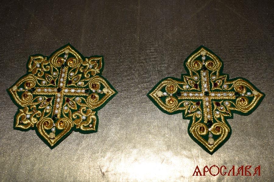 АРТ2046.Крест и звездица вышитые,украшены камнями.