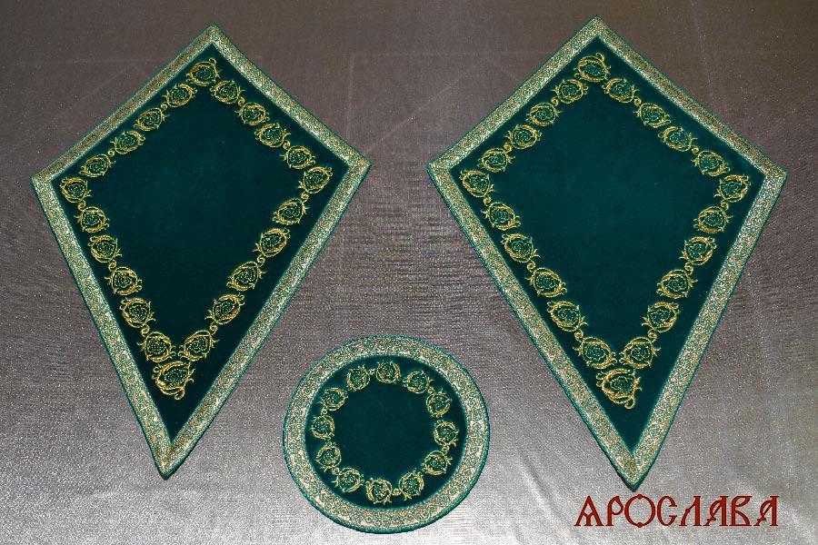 АРТ2230. Платы под кресты и лампаду вышитые рисунок Казачий, с галуном в цвет вышивки.