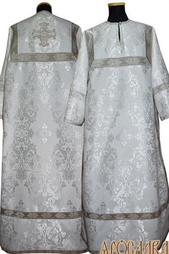 АРТ 357. Стихарь белый с серебром шелк Слуцкий, отделка цветной галун (белый с серебром).