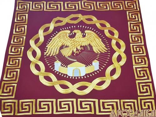 АРТ502. Орлец вышитый на кафедру рисунок Меандр, ткань чешское сукно.