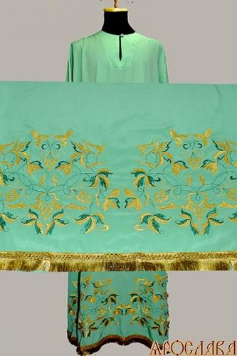 АРТ575. Подризник вышитый рисунок Изабелла. Ткань зеленая.
