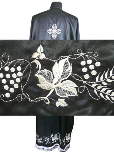 АРТ585. Подризник вышитый рисунок Виноград. Цвет ткани черный.
