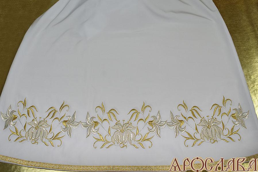 АРТ594. Подризник вышитый рисунок Лилия Мария. По низу цветной галун (бело-золотой)