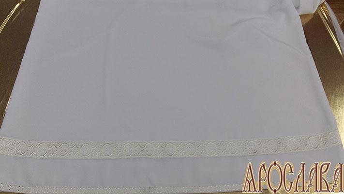 АРТ602. Подризник с отделкой цветным галуном рисунок Орнамент (белый с серебром). Ширина галуна 1,7см и 4см.