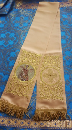 АРТ658. Заклада Евангелие вышитая рисунок Эфес, с вышитой иконой свт.Иоанн Златоуст.