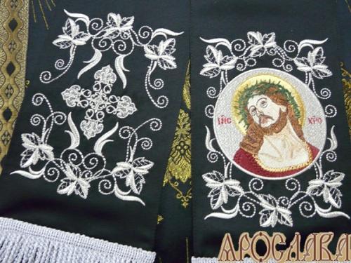 АРТ662. Заклада Евангелие вышитый рисунок Терновый венец, с вышитой иконой Cпаситель в терновом венце.