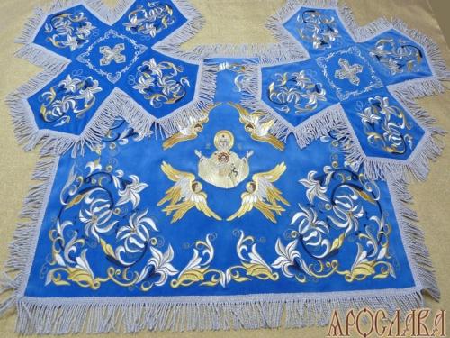 АРТ759. Покровцы вышитые Лилия Мария. С вышитой иконой Знамение Божией Матери.
