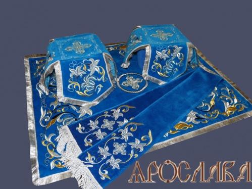 АРТ763. Комплект покровцов, с закладой в Евангелие вышитые Лилия Мария.