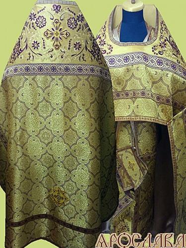АРТ842. Риза желтая с бордовым парча Ярославна. Комбинированная с вышивкой рисунок Барбарис: власяница, окошки епитрахили, низ набедренника. Вышивка выполнена на однотонной парче.