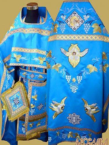 АРТ880. Риза голубая  вышитая рисунок Виноградная лоза. Вышитая:власяница, внутри фелони,надставка, окошки епитрахили, низ набедренника, все мелкие детали. Икона в кресте Казанская Божия Матерь.