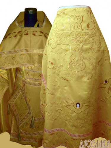 АРТ889. Риза желтая вышитая рисунок Каменный цветок с большим крестом. Вышитая:власяница, надставка, внутри фелони, мелкие детали полностью вышитые.