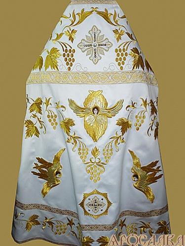АРТ891. Риза белая с золотом вышитая рисунок Виноградная лоза. Вышитая:власяница, надставка, внутри фелони, мелкие детали полностью вышитые.
