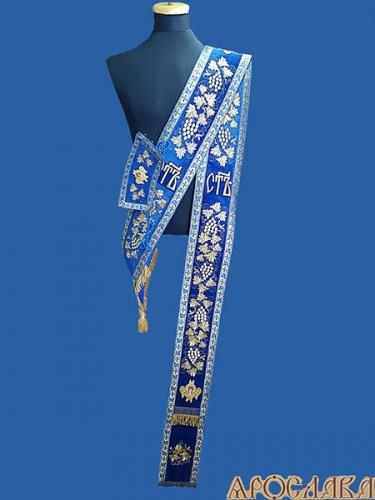 АРТ917. Протодиаконский орарь с поручами,с вышивкой рисунок Виноградная лоза(увеличенная), Святы,на поручах вышитые херувимы, отделка цветной галун (голубой с золотом).