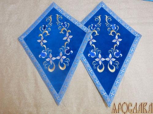 АРТ937. Платы под кресты вышитые Лилия вьющаяся, с галуном в цвет вышивки.