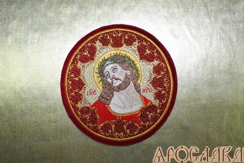 АРТ952. Плат на чашу вышитый с иконой Спаситель в Терновом венце.